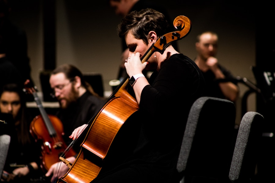 Holiday concert with cello